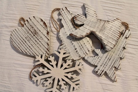 gift wrap ornament