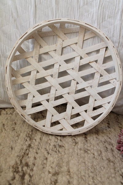 white tobacco basket