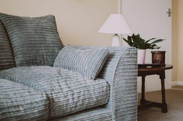 empty-sofa-near-side-table-1631918 (1)